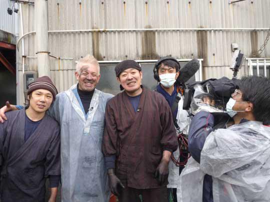 日本の鈴鹿墨、この素晴らしい伝統を絶やさず次の世代へ繋げてくださいね。